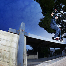 Miguel Urbina, Ollie to BS 5050 - Photo: Estefano Munar