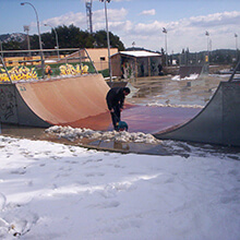 Drying the ramp - Photo: Alejandro Arroyo