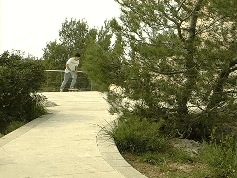 Miki Jaume Checkout, skate video